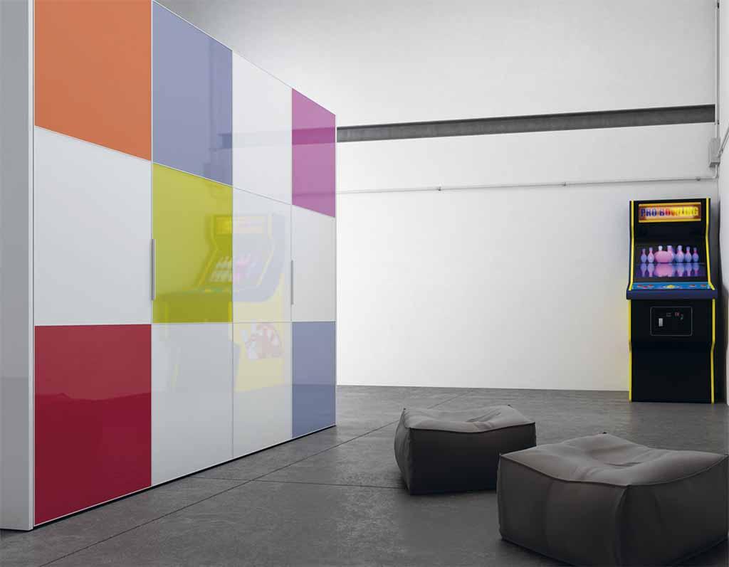 armario de puertas lisas con estanteras armario puertas abatibles metacrilato colores with puertas para armarios a medida