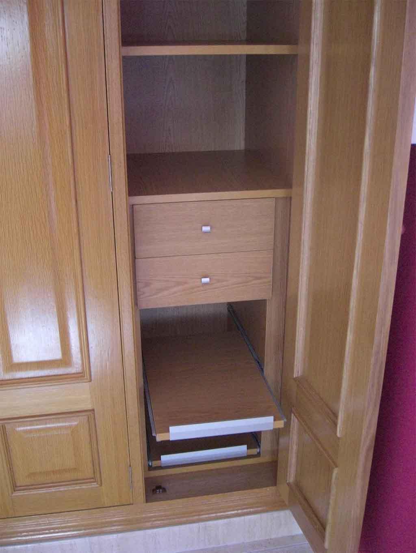 Interior armarios empotrados best frente de armario - Estantes para armarios empotrados ...