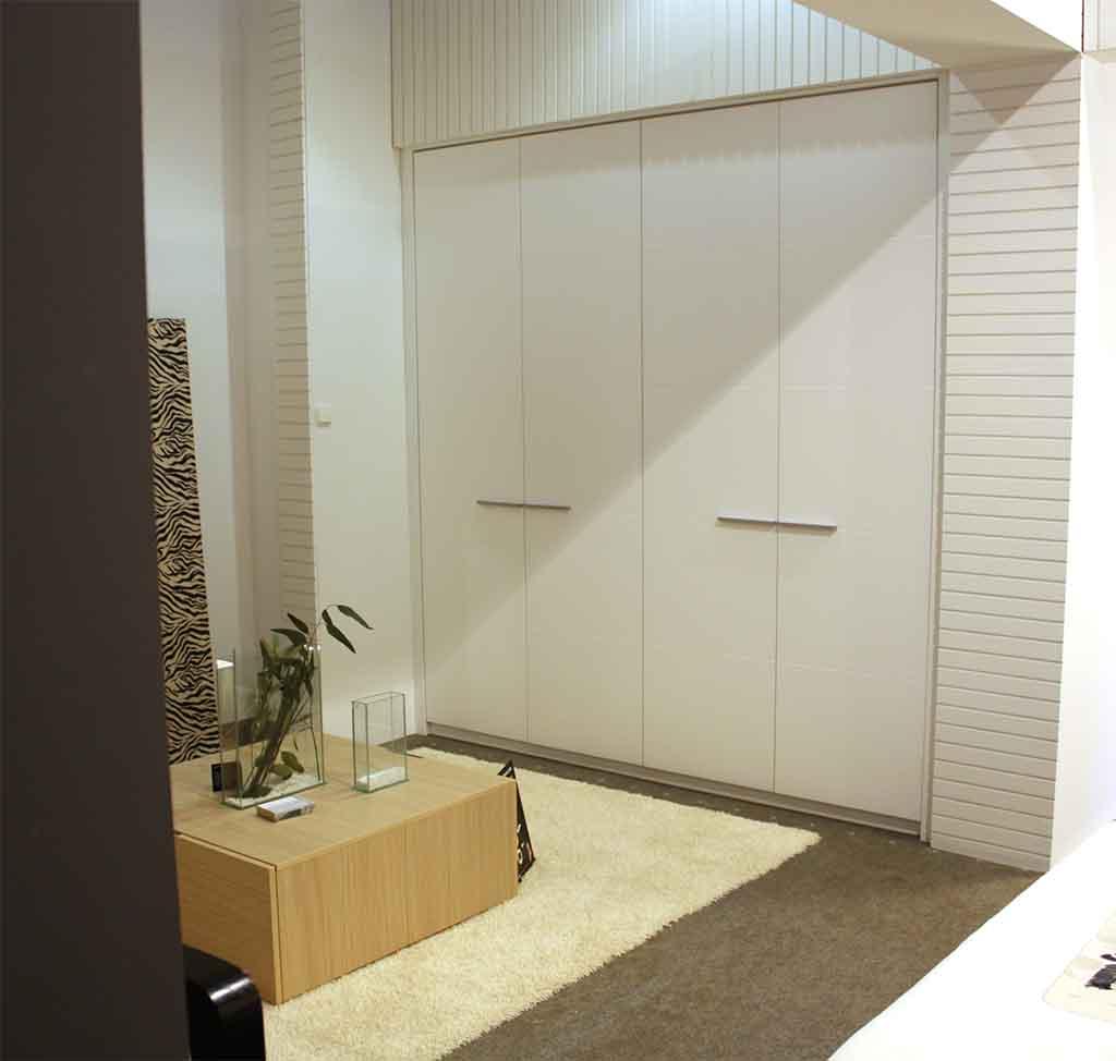 Armario empotrado interior trendy accesorios armarios - Accesorios puertas correderas ...