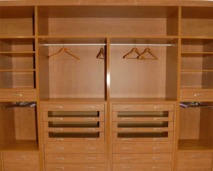 Tus armarios roperos son un caos soluciones para - Cajoneras interior armario ...