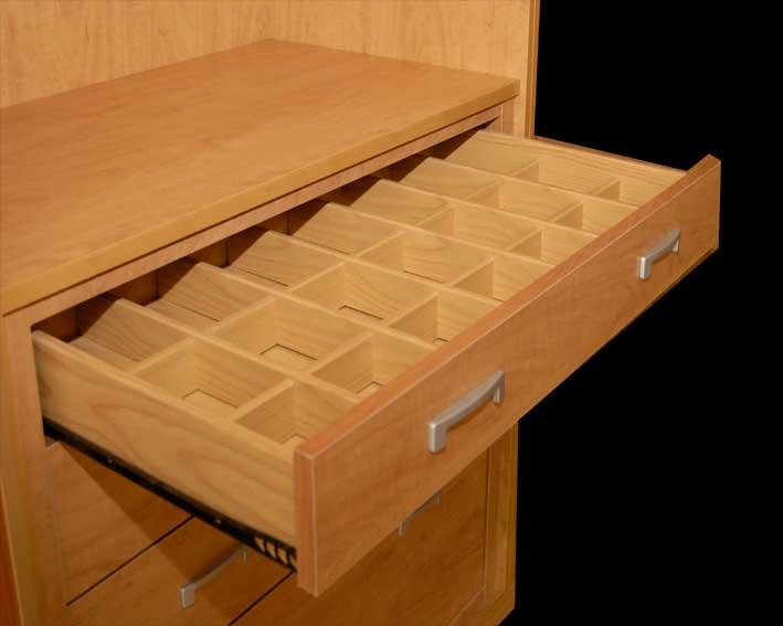 Tus armarios roperos son un caos soluciones para for Cajoneras de madera para cocina