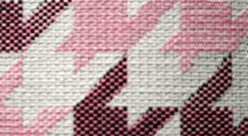 Estampado geométrico, rosa cuarzo y marsala