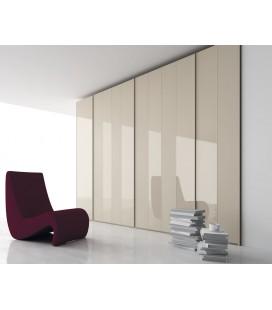 Armario puerta batiente enmarcada aluminio y metacrilato, serie NO LIMITS de la firma JJP