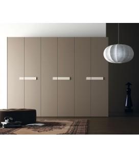 Armario puerta batiente modelo SEMI serie NO LIMITS de la firma JJP